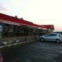 Photo taken at Sabahattin'in Yeri by Sinan C. on 8/9/2012