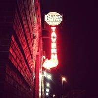 Foto tirada no(a) Blake Street Tavern por Breton S. em 4/28/2012
