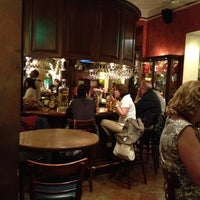 Photo taken at Hank's Querétaro by Rene I. on 3/18/2012
