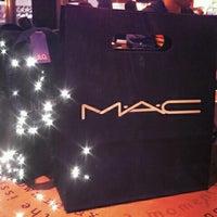 Photo taken at MacStation by Vicky T. on 8/3/2012