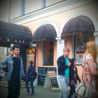 Foto diambil di Simple Pub oleh Denis Y. pada 4/25/2012