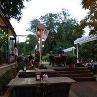 8/27/2012 tarihinde Ayse Nur G.ziyaretçi tarafından Vakıf Tenis Cafe'de çekilen fotoğraf