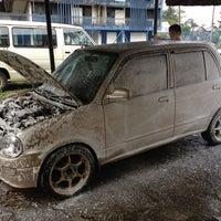 Foto scattata a Chukai Car Wash Brlakang Futsall Dillah da YM Tengku il 7/10/2012