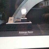 Photo prise au Audemars Piguet Boutique par Isabelle C. le5/5/2012