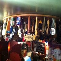 Foto scattata a Duck Island Ale House da  ℋumorous il 3/15/2012