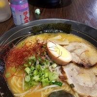 Das Foto wurde bei Hakata Ramen & Sushi von Charles W. am 6/2/2018 aufgenommen
