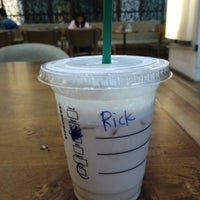 10/20/2017 tarihinde Ricky S.ziyaretçi tarafından Starbucks'de çekilen fotoğraf