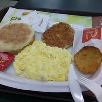 Photo taken at McDonald's by princess dhyta a. on 3/4/2014