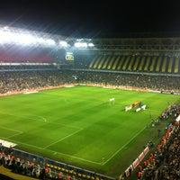 Photo taken at Ülker Stadyumu Fenerbahçe Şükrü Saracoğlu Spor Kompleksi by Ya Herro Ya Merro on 11/10/2013
