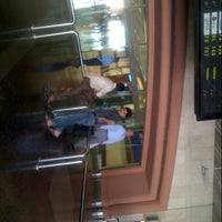 Photo taken at Domestic Arrivals - اندرون ملک آمد by Jawad K. on 9/25/2012