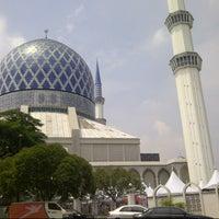 Photo taken at Masjid Sultan Salahuddin Abdul Aziz Shah by Wan A. on 7/12/2013