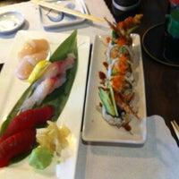 Foto scattata a Sushi Hanabi da Jenny T. il 7/14/2013