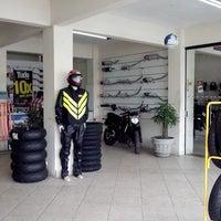 Photo taken at Jg moto-pecas by Edmar S. on 7/19/2013