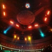 Das Foto wurde bei Arena Lounge von Marco L. am 4/24/2014 aufgenommen