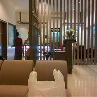 Photo taken at Garuda Indonesia Executive Lounge by Deny L. on 2/19/2013