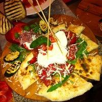 Foto tomada en Napoletani D.O.C. Restaurant & Pizzeria por Marco C. el 7/4/2013