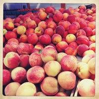 Foto tomada en Penn Quarter FRESHFARM Market por Katalin E. el 7/11/2013