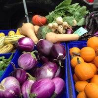 Foto tomada en Penn Quarter FRESHFARM Market por Katalin E. el 9/10/2015