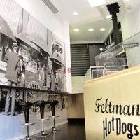 Снимок сделан в Feltman's Hot Dogs пользователем Feltman's Hot Dogs 10/14/2013