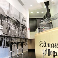 Foto tomada en Feltman's Hot Dogs por Feltman's Hot Dogs el 10/14/2013