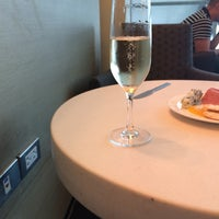 Photo taken at British Airways (BA) First/Business Class Lounge by Rv C. on 5/30/2014