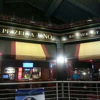 Photo taken at Uno Pizzeria & Grill - Baltimore by Edward M. on 9/7/2013
