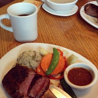 Photo taken at Outback Steakhouse by Vanessa S. on 3/18/2015
