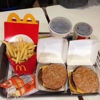 Foto tirada no(a) McDonald's por Luísa M. em 7/8/2013