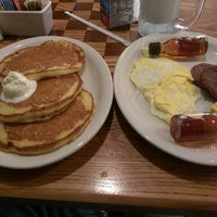 Photo taken at Cracker Barrel Old Country Store by Kenneth P. on 3/2/2017