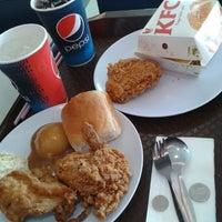 Photo taken at KFC by Hayatti R. on 7/7/2013