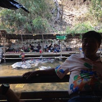 Photo taken at ร้านป้าแต้ Food And Rafting by เกม เ. on 4/24/2016