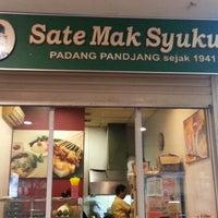 Photo taken at Sate Mak Syukur by Kusneri P. on 7/16/2013