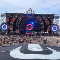 Photo taken at Ultra Music Festival by Marija M. on 3/28/2014