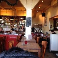 Foto tirada no(a) Café Kobalt por Konstantinos D. em 12/25/2013