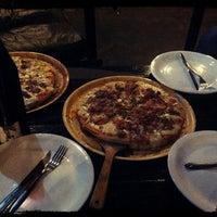 Foto tirada no(a) Naé Pizza Pub por Hugo M. em 7/9/2013