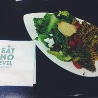 Photo taken at Munch Saladsmith by Vanessa Q. on 7/1/2014