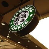 Снимок сделан в Starbucks пользователем Alla A. 7/7/2013