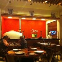 รูปภาพถ่ายที่ Cozzi Ristorante Italiano โดย Lea C. เมื่อ 12/22/2012