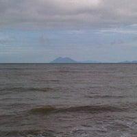 Photo taken at Marina Anyer Villa & Resort by Hillman on 12/7/2013