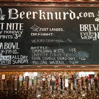 Photo taken at Flying Saucer Draught Emporium by Jim R. on 10/15/2012