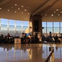 รูปภาพถ่ายที่ Terminal A โดย Jim R. เมื่อ 12/22/2012