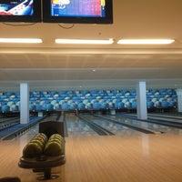 7/7/2013 tarihinde Jana J.ziyaretçi tarafından Planet Bowling'de çekilen fotoğraf