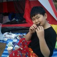 Photo taken at ศูนย์บริการนักท่องเที่ยว ดอยอินทนนท์ by Amnat S. on 12/26/2012
