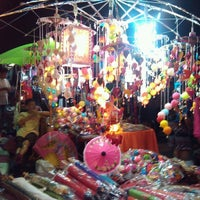 Photo taken at Wualai Saturday Nightmarket by Amnat S. on 12/29/2012