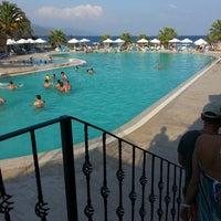 8/17/2014 tarihinde Erdem Bayırziyaretçi tarafından Assos Dove Hotel Resort & Spa'de çekilen fotoğraf