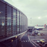 Photo taken at London Heathrow Airport (LHR) by Shinichi E. on 11/24/2013
