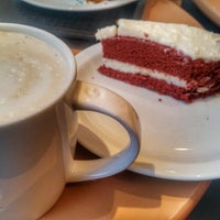Photo taken at Starbucks by Fatma B. on 12/5/2017