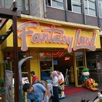 Das Foto wurde bei Fantasyland Oyun Merkezi von Can K. am 9/20/2013 aufgenommen
