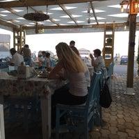 7/31/2017 tarihinde Hüseyin Çağrı B.ziyaretçi tarafından Athena Balık Restaurant'de çekilen fotoğraf
