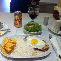 Photo taken at Restaurante Bife Esquisito by Rogerio I. on 9/13/2016